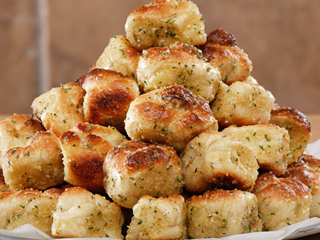 garlic knots garlic knots i wanted to make some rolls to garlic knots ...